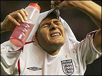 Steven Gerrard hiding